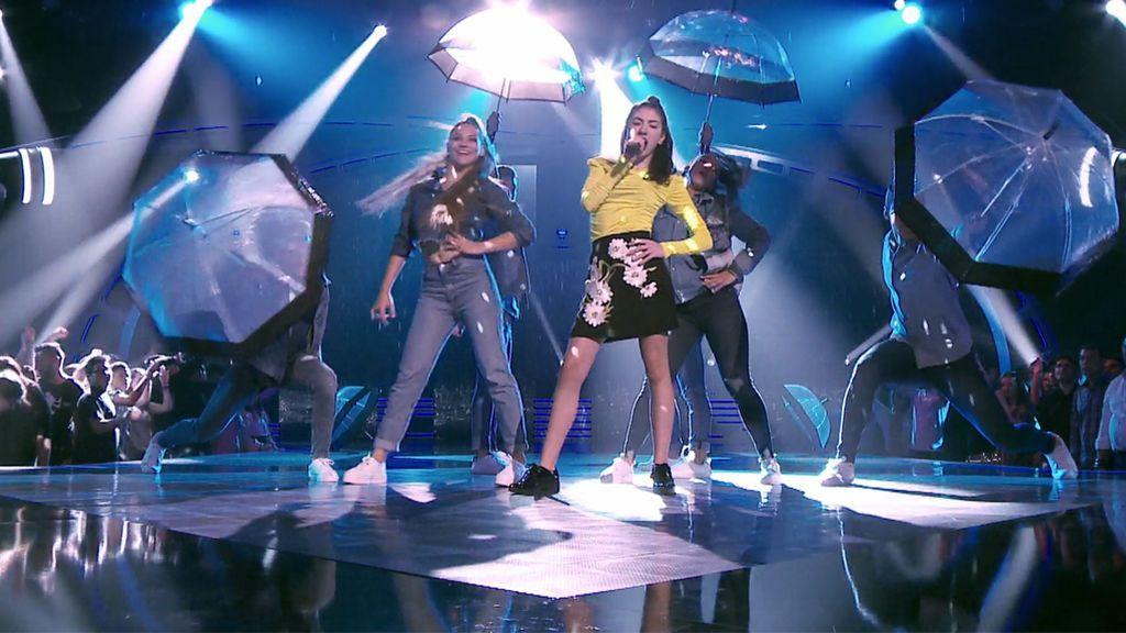 """Lucía """"se come el escenario"""" en la final de 'La Voz Kids 4' con 'Umbrella', de Rihanna"""