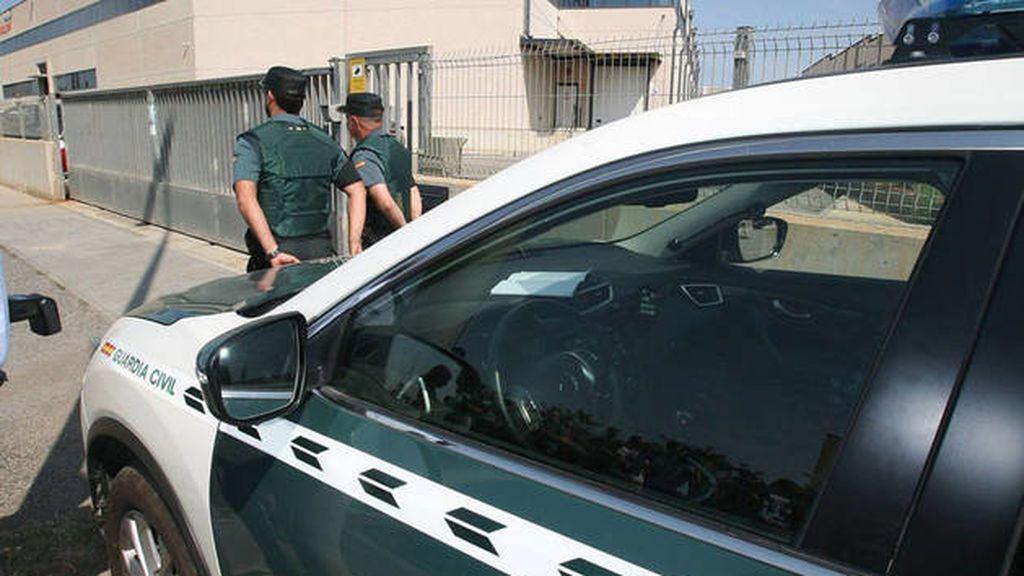 Un atrincherado armado en unos juzgados de Zaragoza