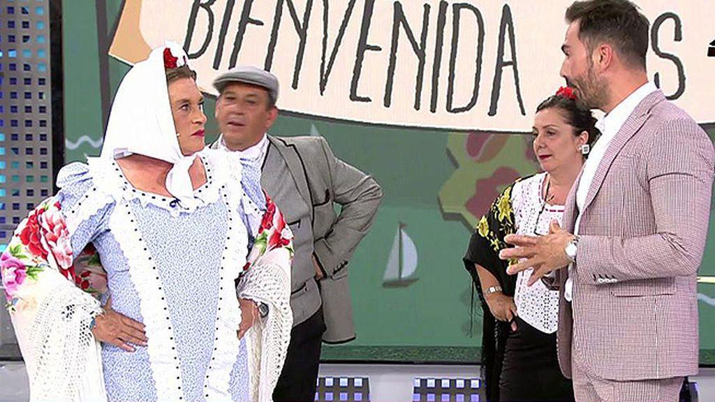 Chelo Gª Cortés estrena sección con un mantón de manila muy especial: el que lució Sara Montiel en 'El último cuplé'