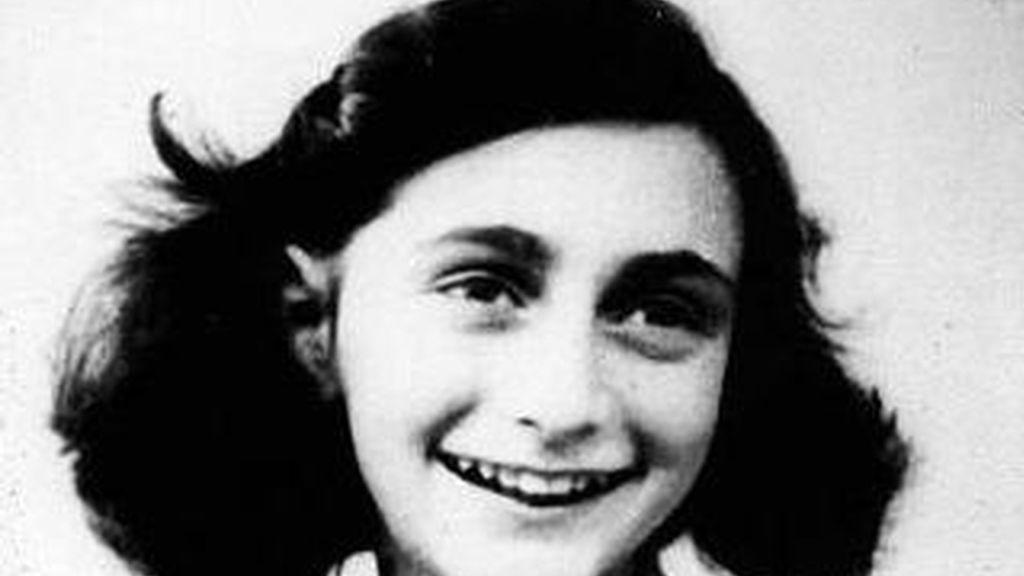 Descubren dos páginas ocultas del diario de Ana Frank en las que escribe sobre el sexo