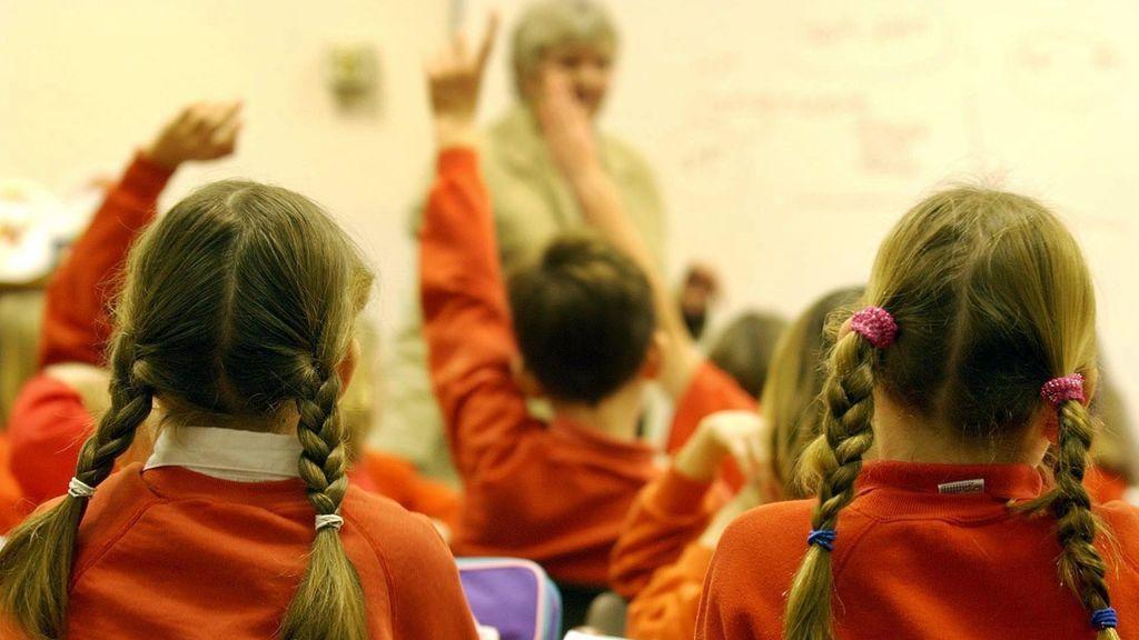 Indemnizan con 650.000 euros a un profesor que fue despedido por poner a sus alumnos una película de terror