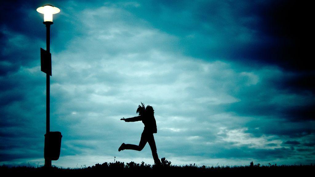 'Running' nocturno: todo lo que te pierdes si no te atreves a salir a correr de noche
