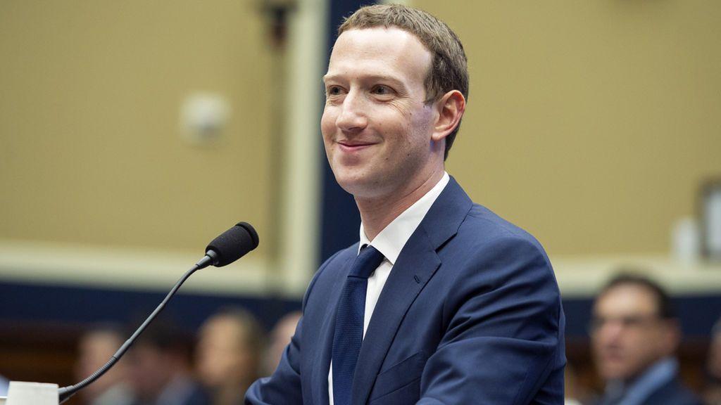Mark Zuckerberg acepta dar explicaciones en la Eurocámara por la filtración de datos