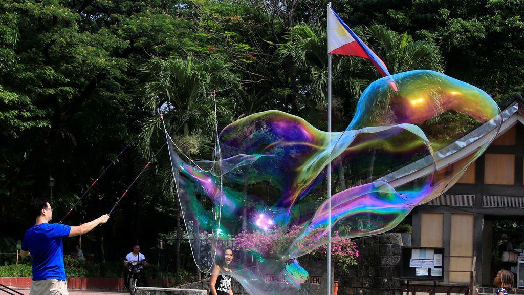 Juegos en un parque de Filipinas