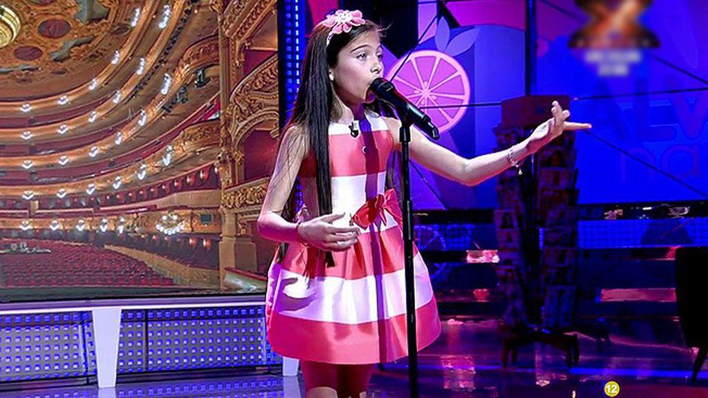 Melani 'hechiza' a 'Sálvame' cantando ópera