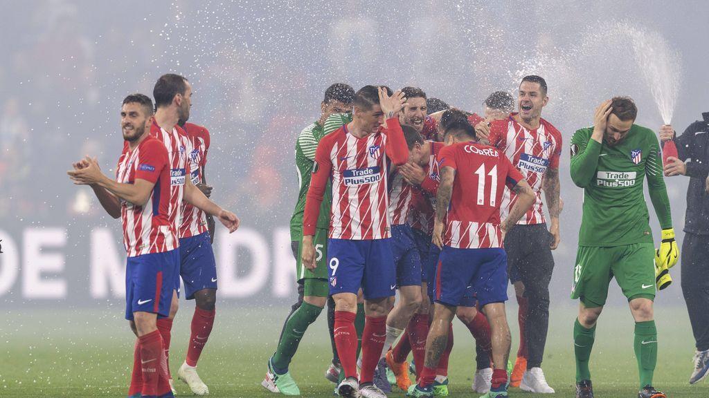 Del Real Madrid, al Rey de España: miles de felicitaciones al Atlético tras ganar la Europa League