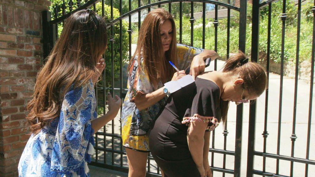 Las Salazar y Sonia Monroy, en el quinto episodio de 'Los gipsy kings'.
