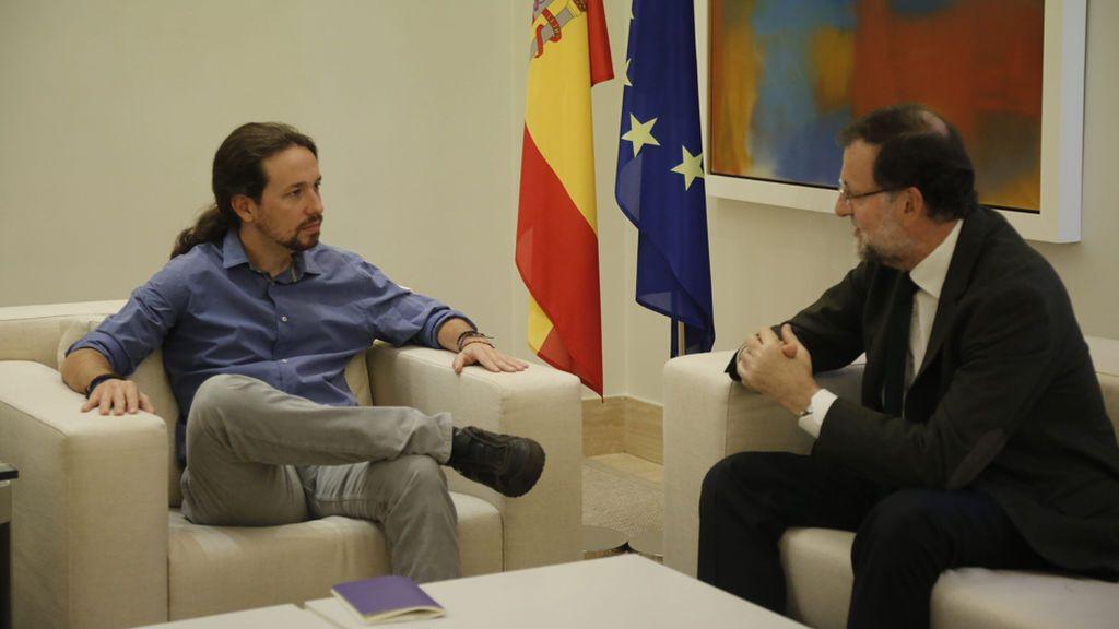 Rajoy e Iglesias acuerdan por teléfono reunirse próximamente para tratar la cuestión catalana