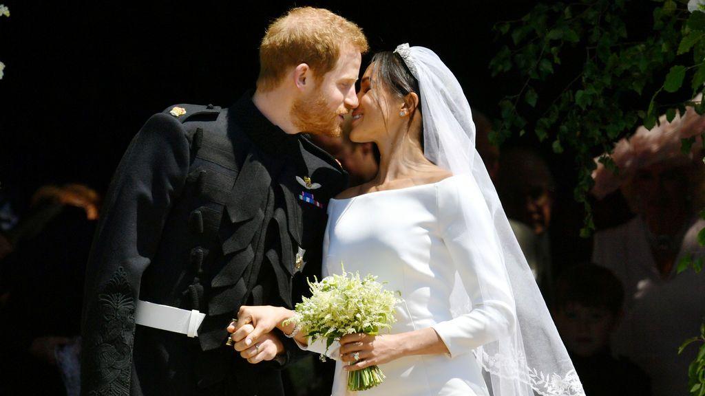 Meghan Markle y el príncipe Harry, convertidos en los duques de Sussex