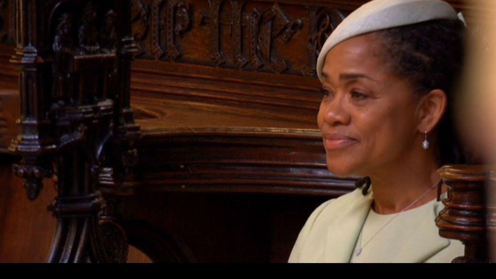 De las lágrimas de la madre de Meghan a la mirada devoradora de Harry: los momentazos de la boda, en fotos