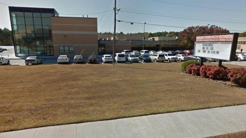 Un muerto y dos heridos en un tiroteo en un instituto en Georgia (EEUU)
