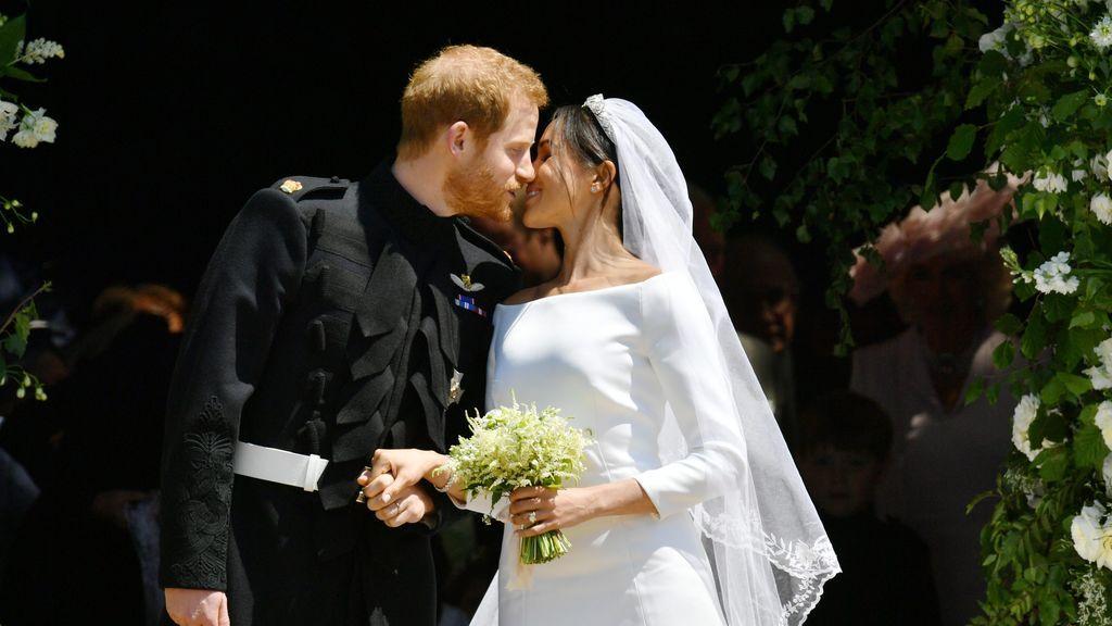 La familia real británica publica las fotos oficiales del enlace entre Harry y Meghan