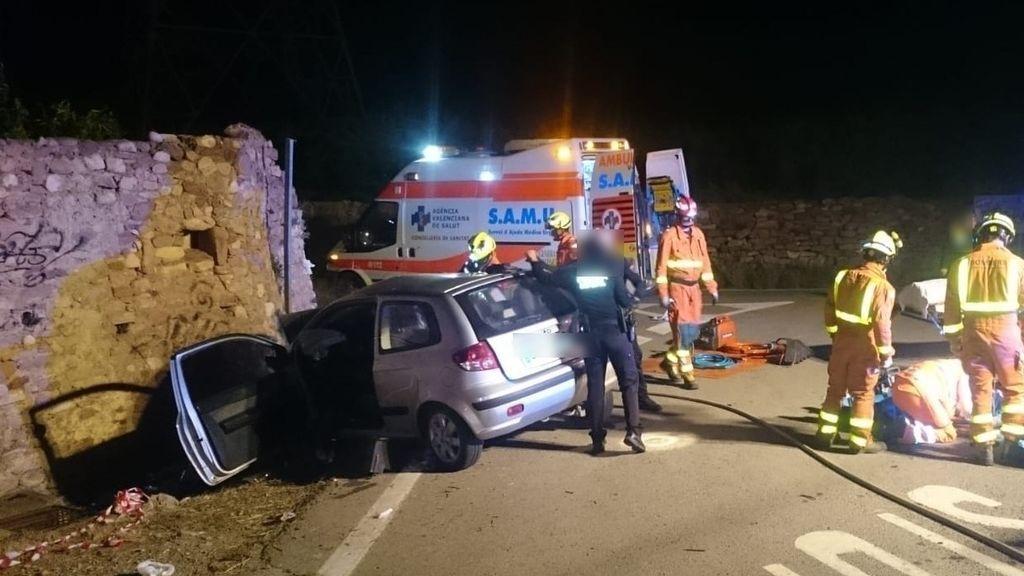 Muere tras estrellarse contra un muro en Valencia