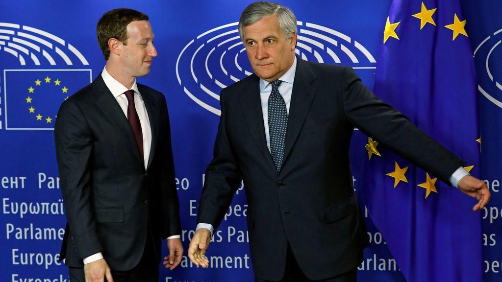 Zuckerberg se disculpa en el Parlamento Europeo por su responsabilidad en la filtración de datos de Facebook