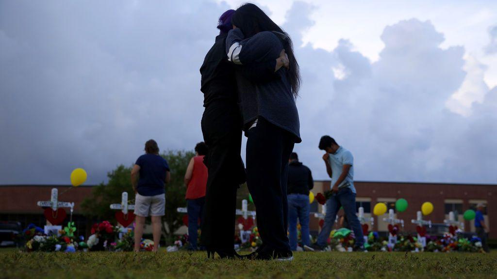 Homenaje a los asesinados en el tiroteo