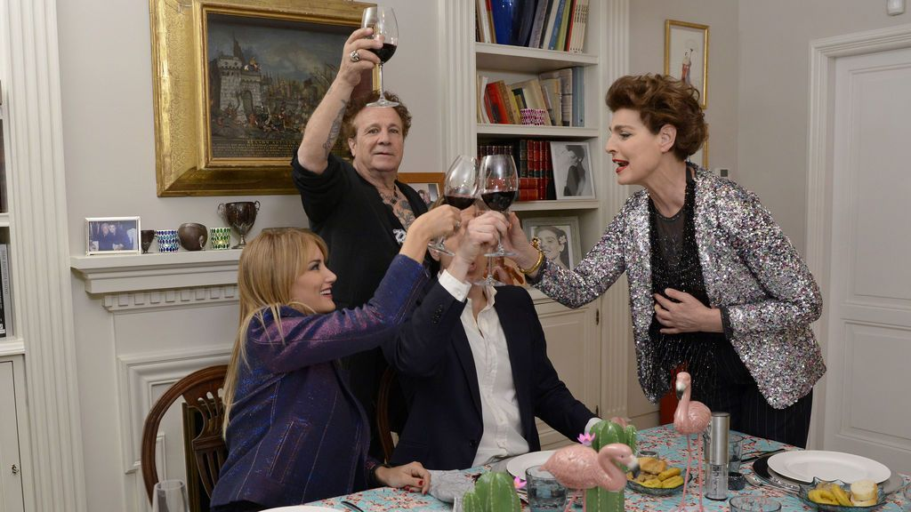 Antonia Dell'Atte ejerce como anfitriona en la final de la segunda edición de 'Ven a cenar conmigo: gourmet edition'.