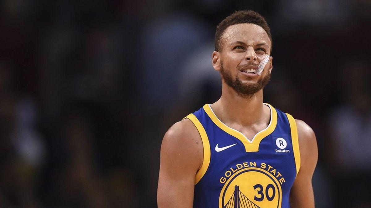 La madre de Curry 'amenaza' a su hijo de que le lavará la boca con jabón tras su comentario ante los Rockets
