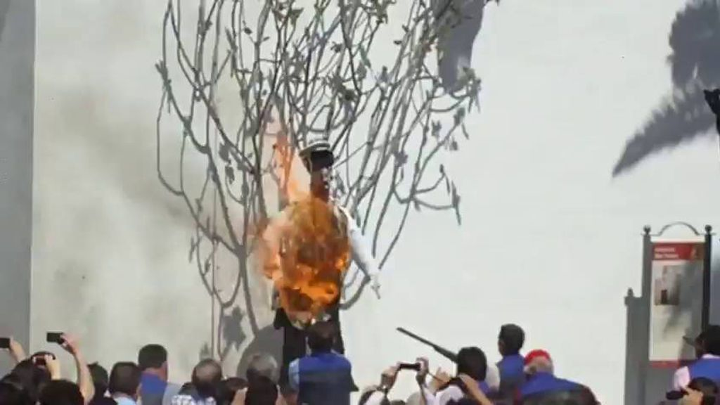 Imputan al alcalde y a una concejala de Coripe, Sevilla, por la quema del muñeco de Ana Julia Quezada