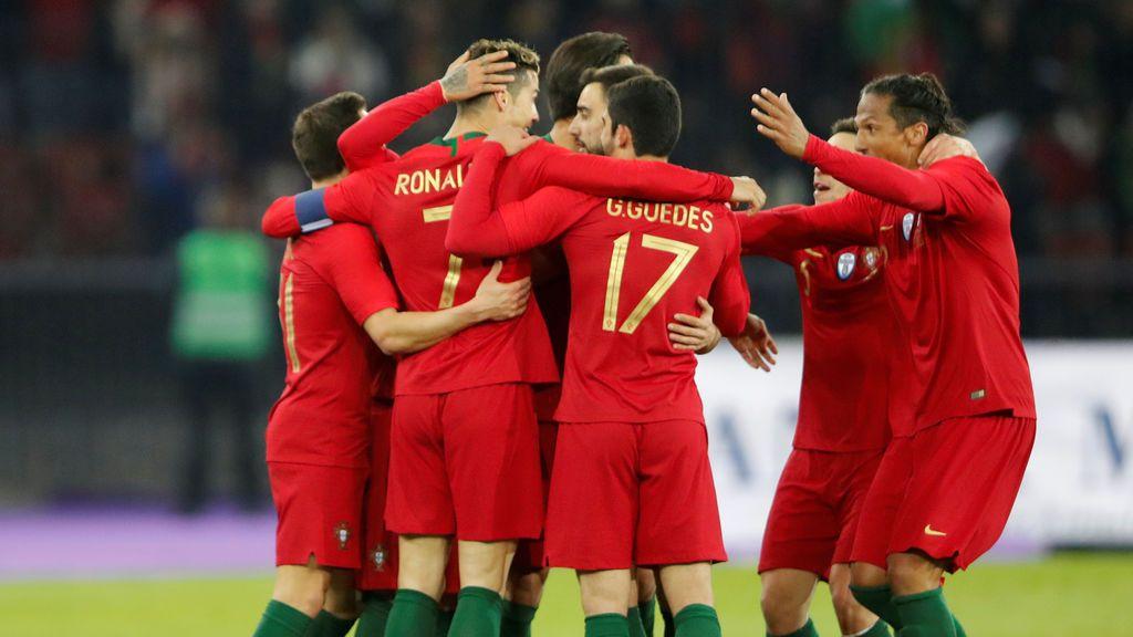 Portugal motiva a su selección con un gran mural con Cristiano Ronaldo como protagonista