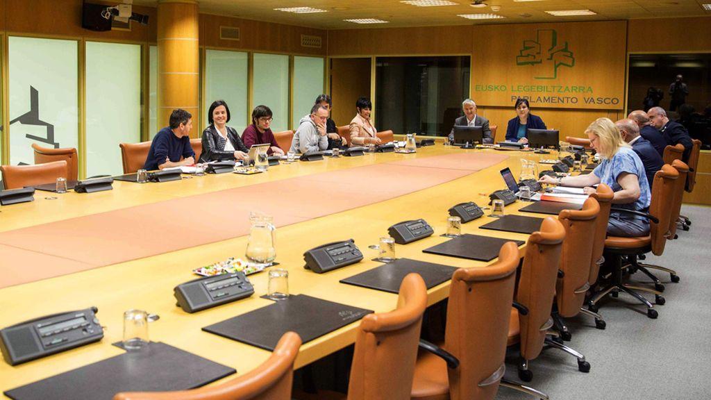 """PNV y EH Bildu plantean que se reconozca """"la nacionalidad vasca"""" a la ciudadanía de Euskadi"""
