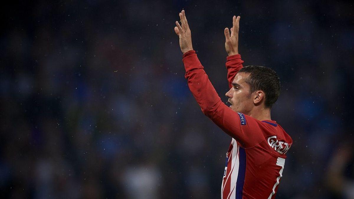 Griezmann cuelga una foto con la camiseta del Atlético de Madrid desde la concentración de Francia