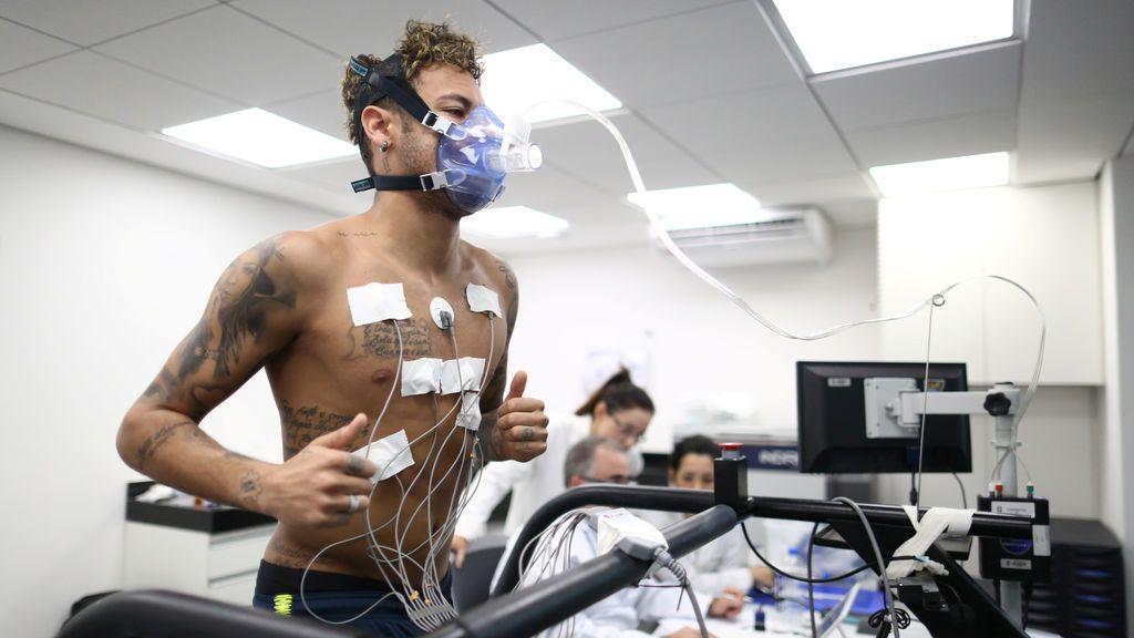 """Los servicios médicos de Brasil """"no pueden asegurar que Neymar llegue al 100% al Mundial de Rusia"""""""