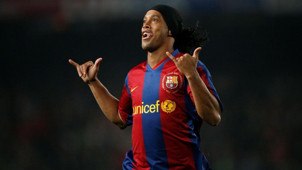 Ronaldinho se casa con… ¡dos mujeres al mismo tiempo!