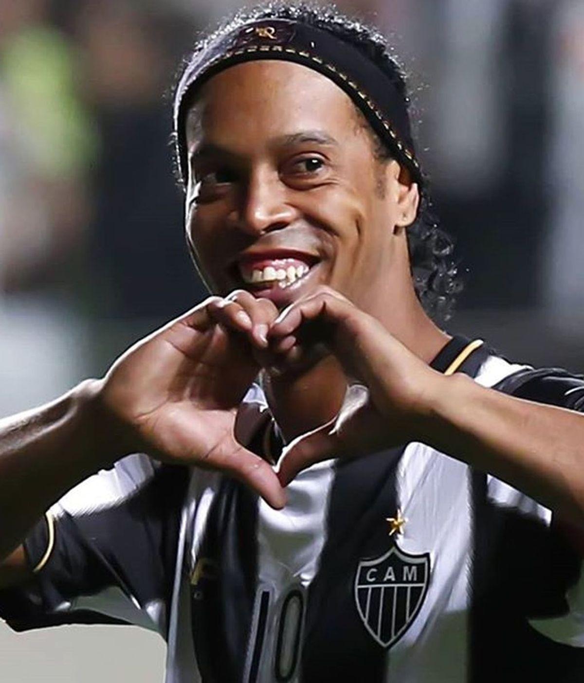 Sí al poliamor: Ronaldinho se casará con sus dos novias el próximo agosto
