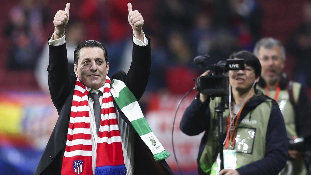 Paulo Futre presenta el 'nuevo escudo' del Atlético de Madrid de cara a la final de Champions