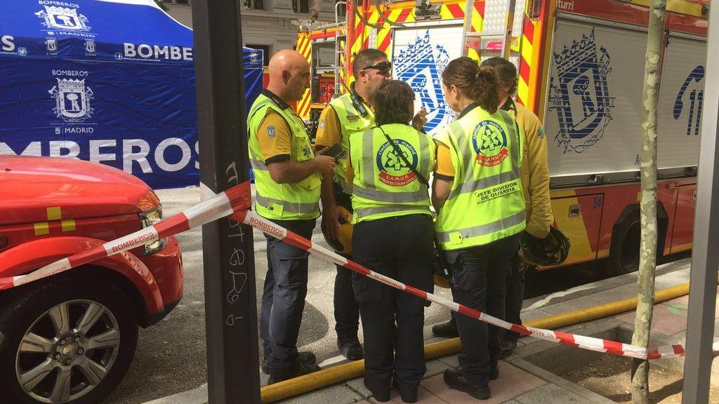 Encuentran el cadáver de uno de los dos obreros sepultados por el edificio derrumbado en Madrid