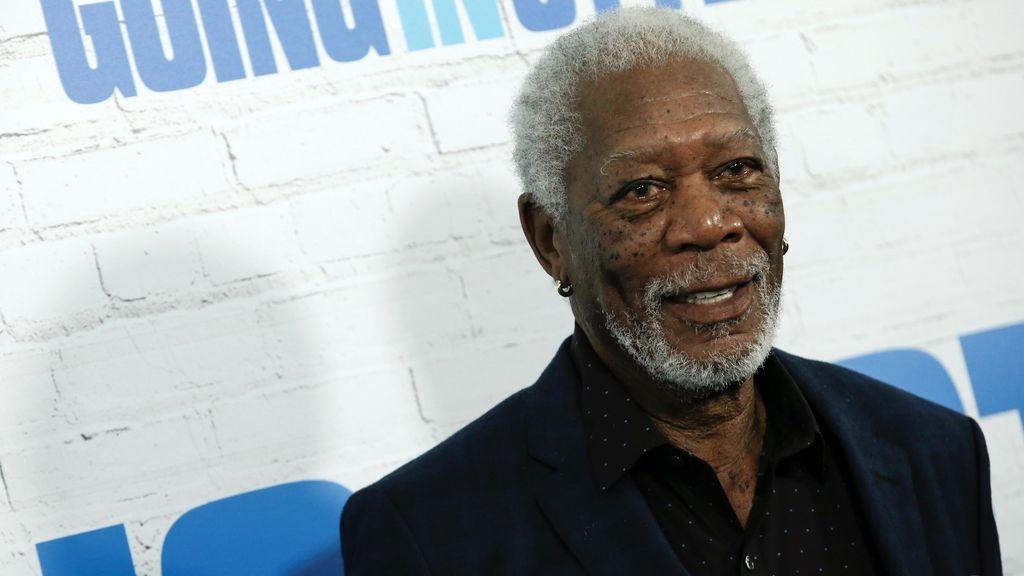 """Varias mujeres aseguran que Morgan Freeman las acosó: """"Intentaba levantarme la falda y me preguntaba si llevaba ropa interior"""""""