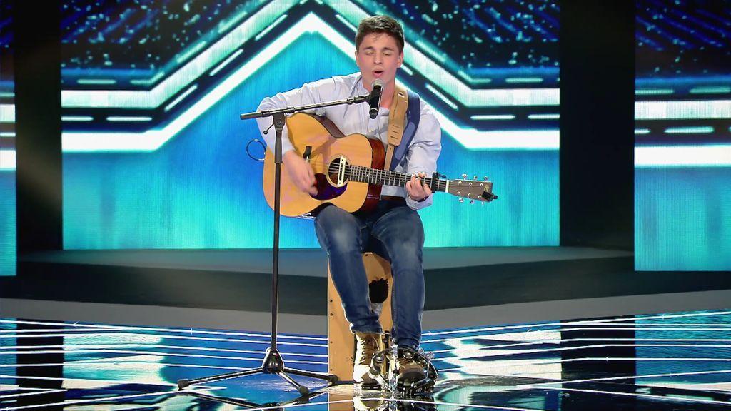 """Cesc conquista con una canción escrita para su hermana y Laura se emociona: """"Hay una silla libre para ti"""""""