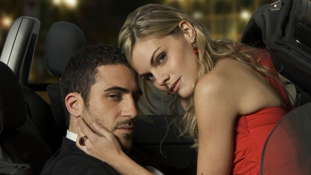 """El Duque y Cata """"vuelven a enamorarse"""" en Divinity"""