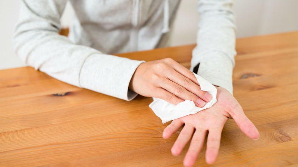 sweat-in-hands