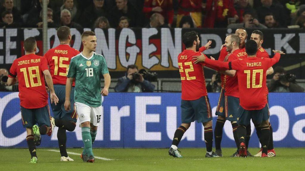 Los jugadores de la Selección Española celebran el gol de Rodrigo Moreno a la Selección de Alemania el 23 de marzo de 2018.