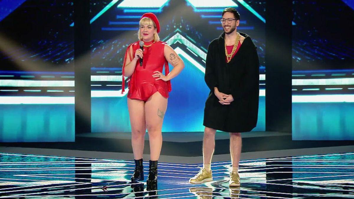 ¡Lo han vuelto a hacer! La Pili y Jirafa Rey levantan al público con su nuevo hit: 'Muslona' (¡Celulitits free!)