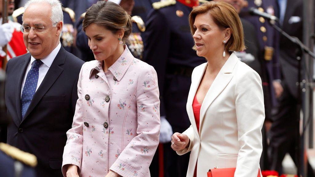 La reina Letizia y la ministra de Defensa, María Dolores de Cospedal