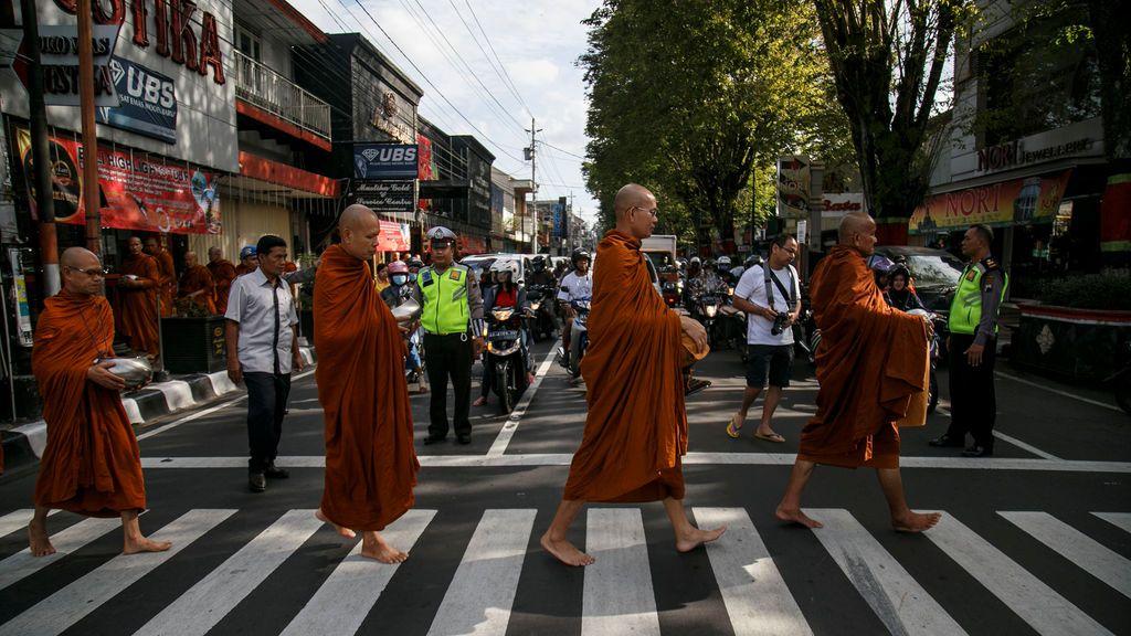 Celebraciones budistas en Indonesia