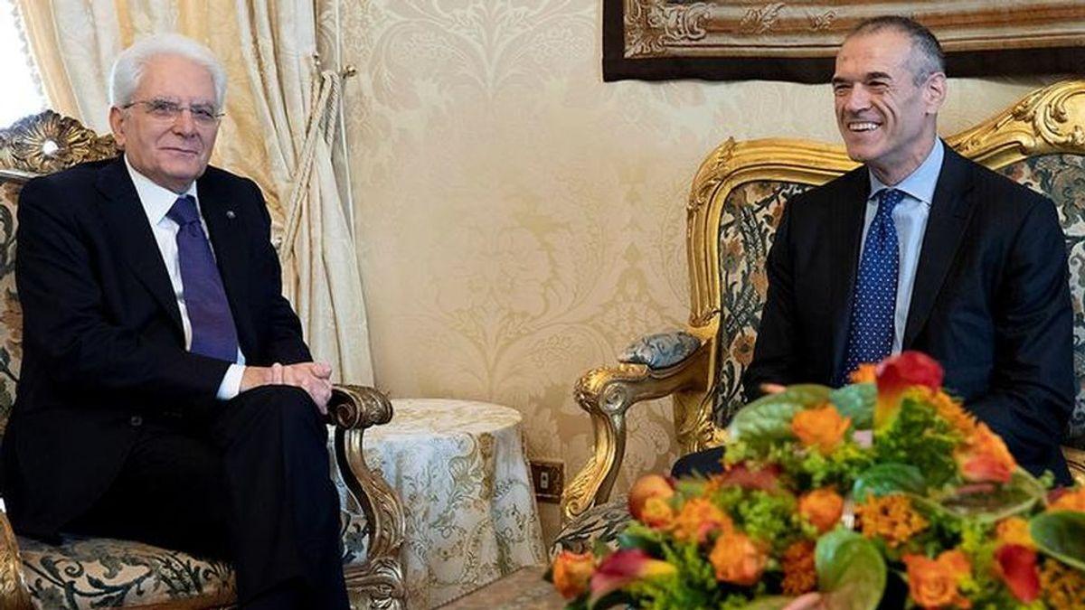 El presidente de Italia encarga a Cottarelli formar gobierno para celebrar elecciones a principios de 2019
