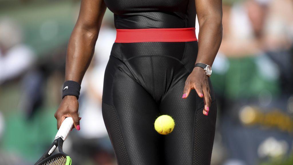Serena Williams sorprende con un llamativo 'look' en Roland Garros