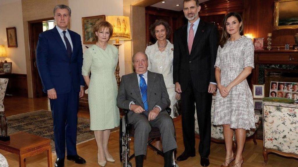 El detalle de la foto del rey Juan Carlos en silla de ruedas del que no te habías dado cuenta