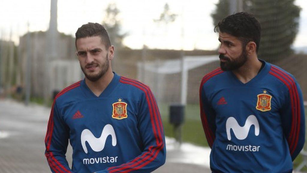 Diego Costa recibe a Rodri con un abrazo en la concentración de la selección española