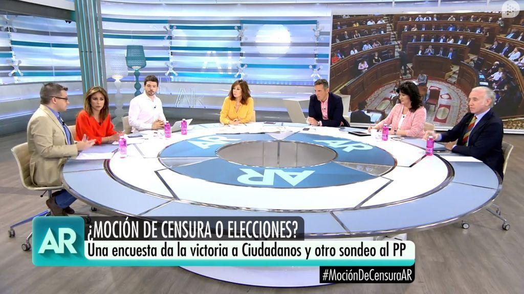 Manuel Rico, Ana Terradillos, Nacho Corredor, Ana Rosa Quintana, Joaquín Prat, Mari Pau Domínguez y Eduardo Inda, en el magacín matinal de Telecinco del 28 de mayo de 2018.