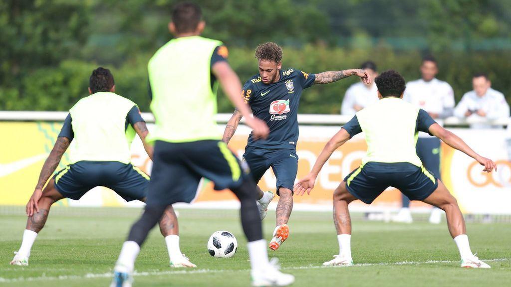 Neymar enciende las alarmas en Brasil: vuelve a sentir dolor en su tobillo lesionado