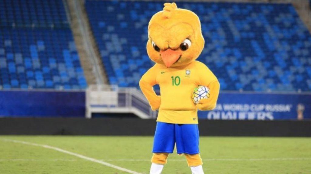 Movilización en Brasil porque prohíben la entrada en el Mundial de 'Canarinho Pistola', la mascota oficial de su selección
