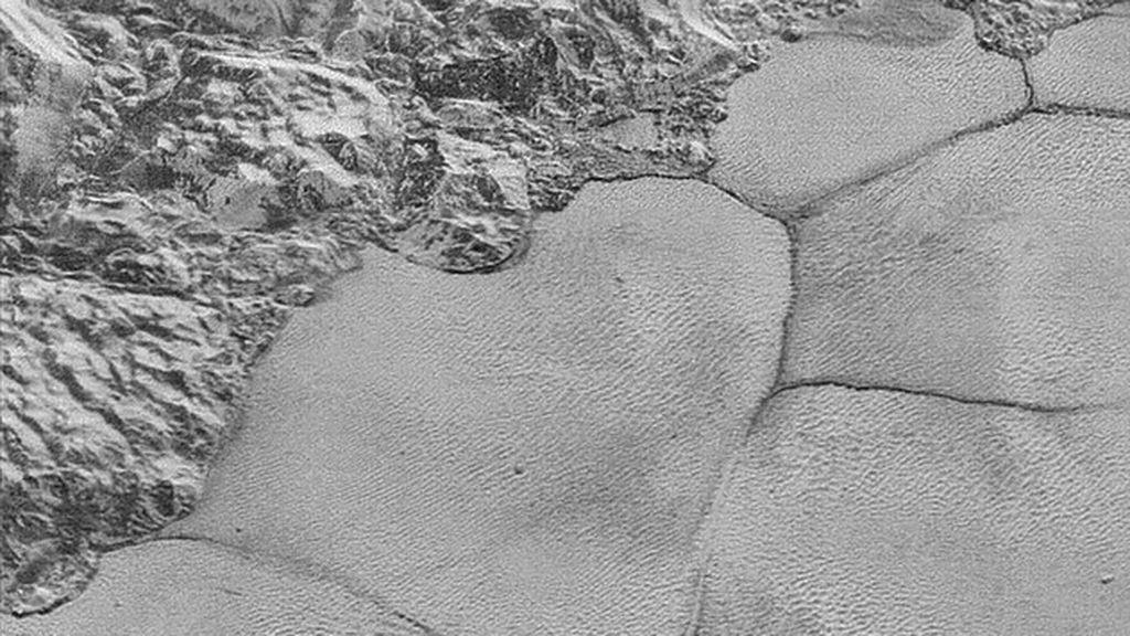 Dunas en Plutón con arena de metano