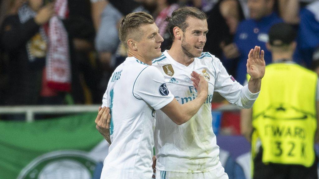 Bale felicita en español a Lucas Vázquez por su paternidad y Kross le vacila