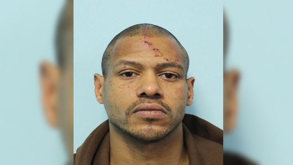 Hallan tres cuerpos en la vivienda de un hombre acusado de violar y secuestrar a un mujer en Massachusetts