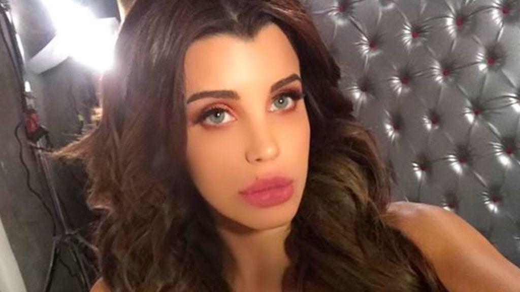 Brillo y mucha transparencia: La sesión de fotos más sexy de Charlotte Caniggia