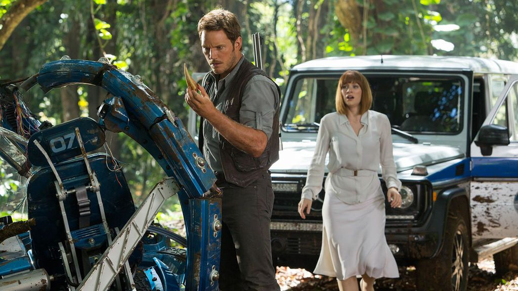 Chris Pratt y Bryce Dallas Howard interpretan a Nick Van Owen y Claire Dearing en la película 'Jurassic World'.